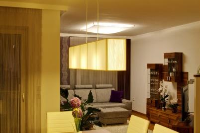 Privathaus Küche- und Wohnbereich